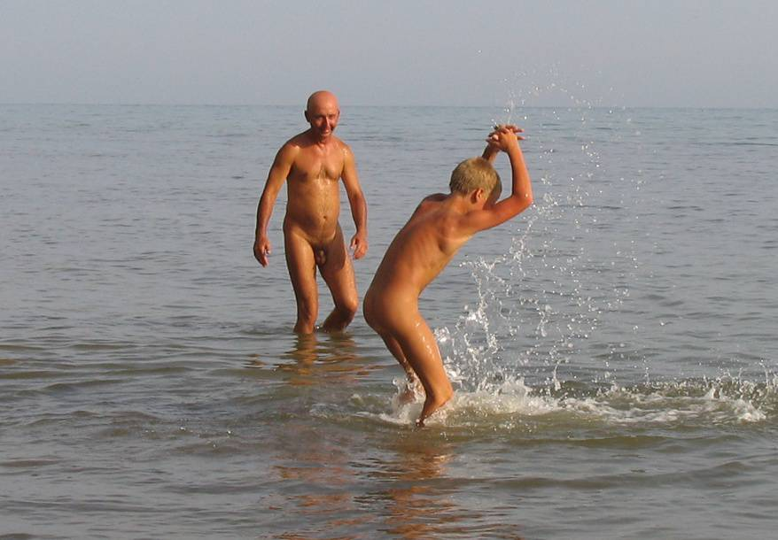 Nudist Pictures 2 Boy and Father Water Fight - 1