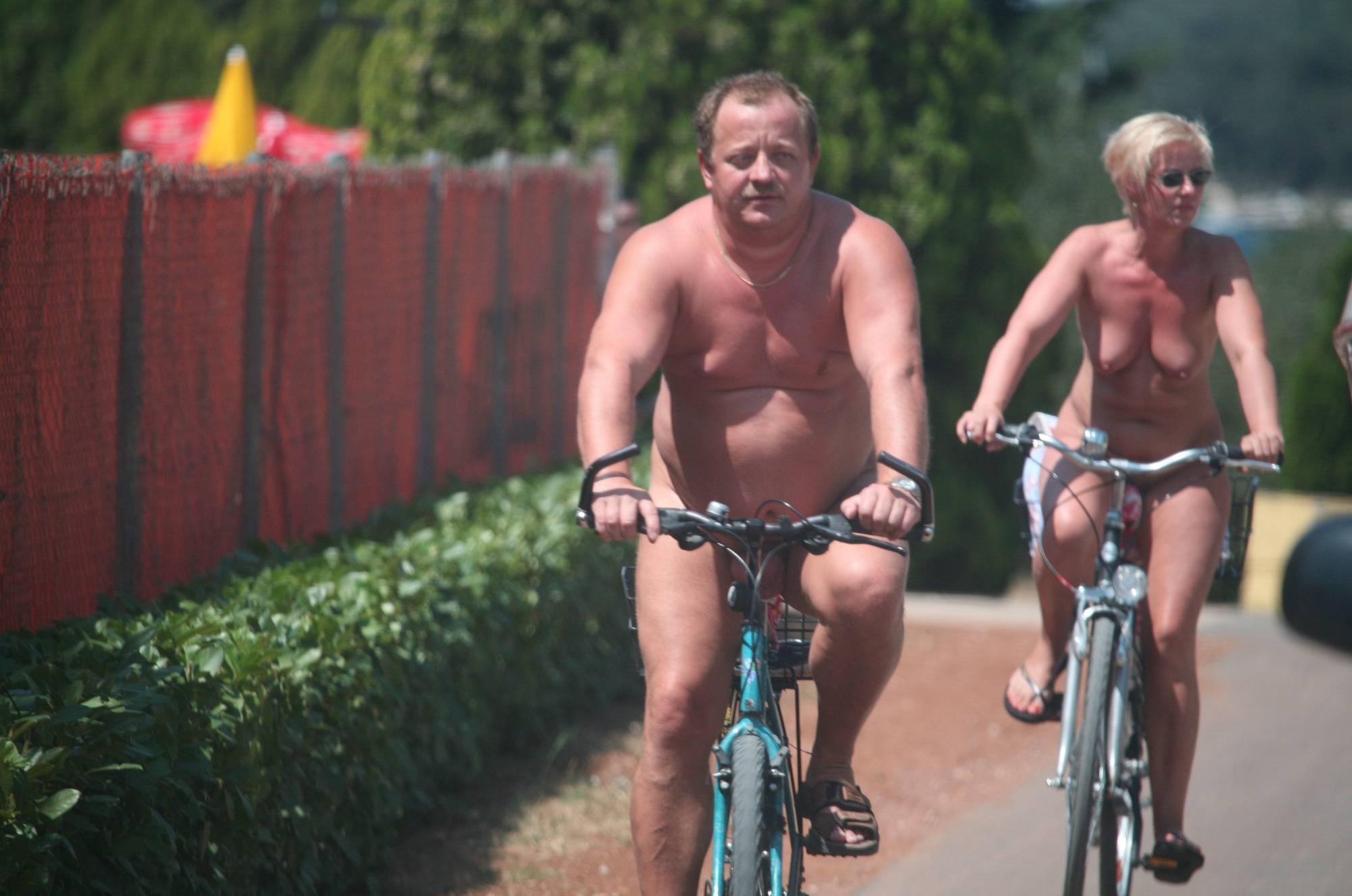 Avilia FKK Naturist Biking - 1