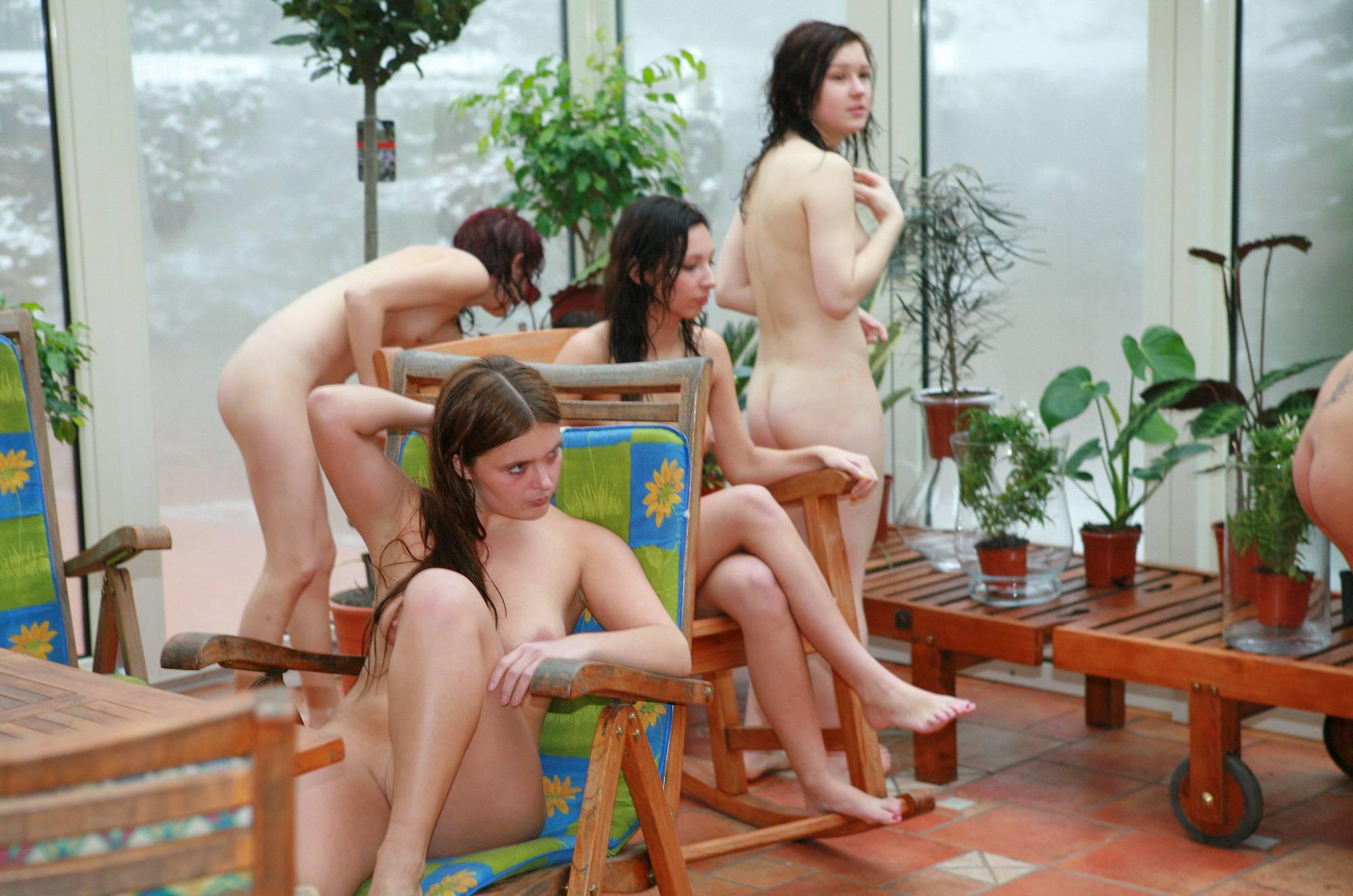 Girls' Pool Party Solarium - 2