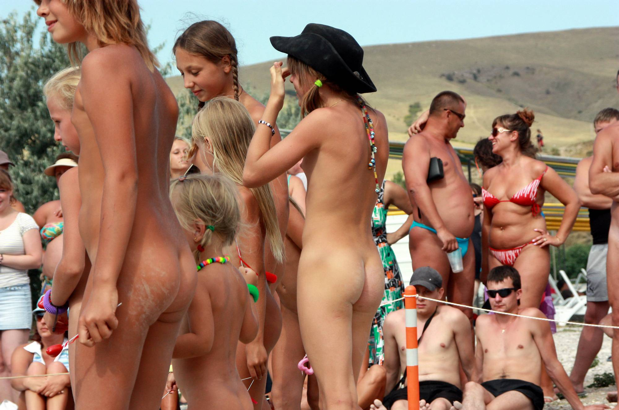 Nudist Gallery Naturist Pageant Outskirts - 1