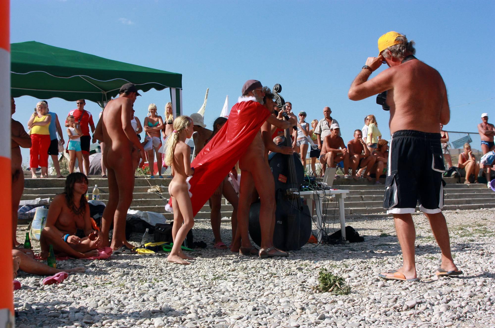 Nudist Photos Black Sea Beach Dancing - 2