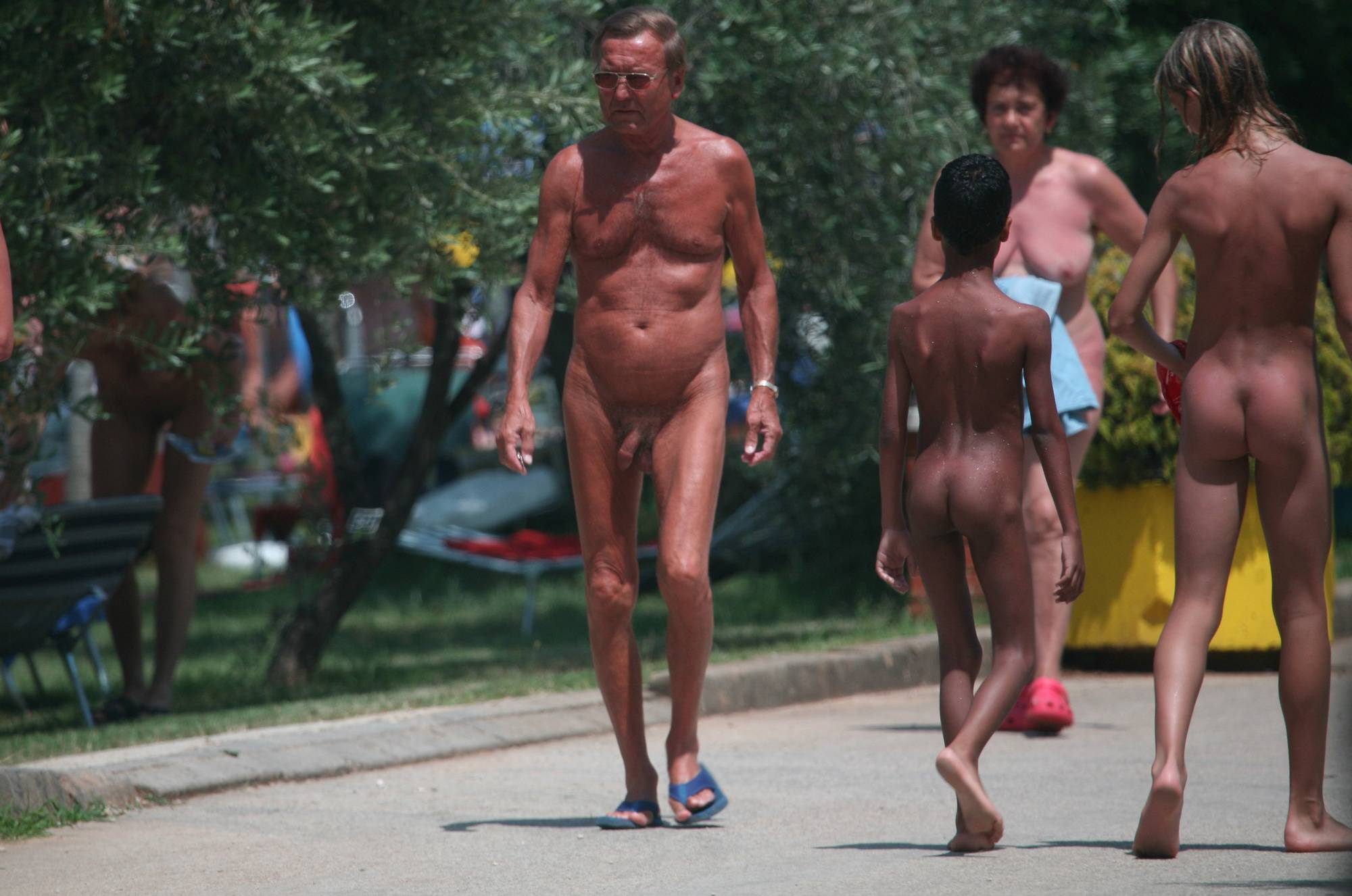 Nudist Gallery Nudist Dinner-Front Walks - 2