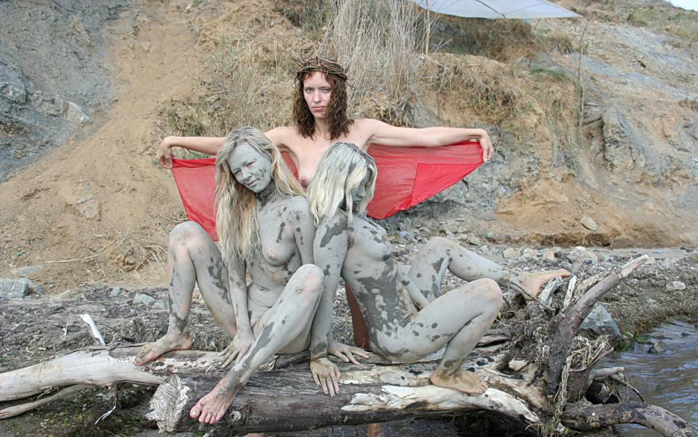 Nudist Photos Refreshing Mud Bathing - 2